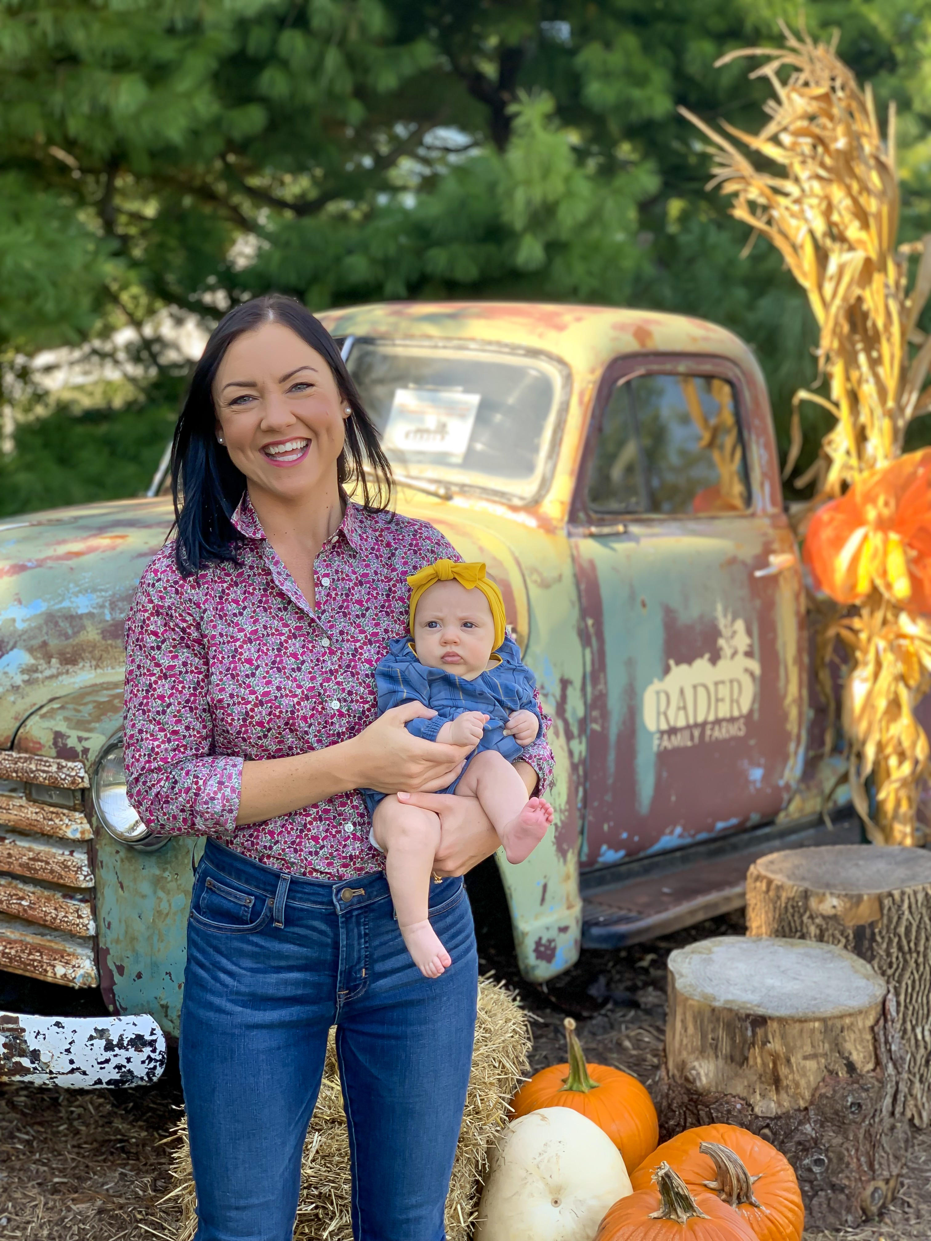 blogger pumpkin patch, illinois pumpkin patch, baby's first pumpkin patch, fall clothing for baby