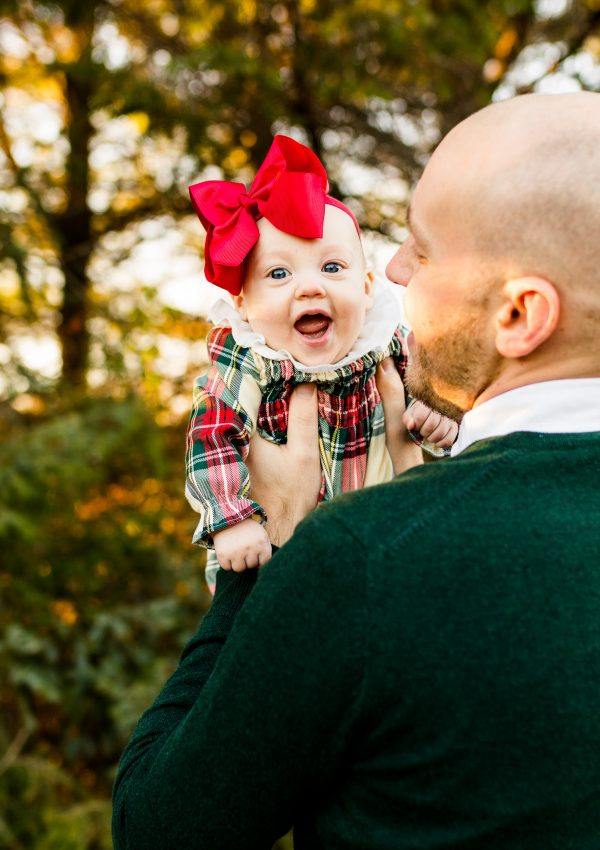 Christmas photo shoot, family Christmas pictures