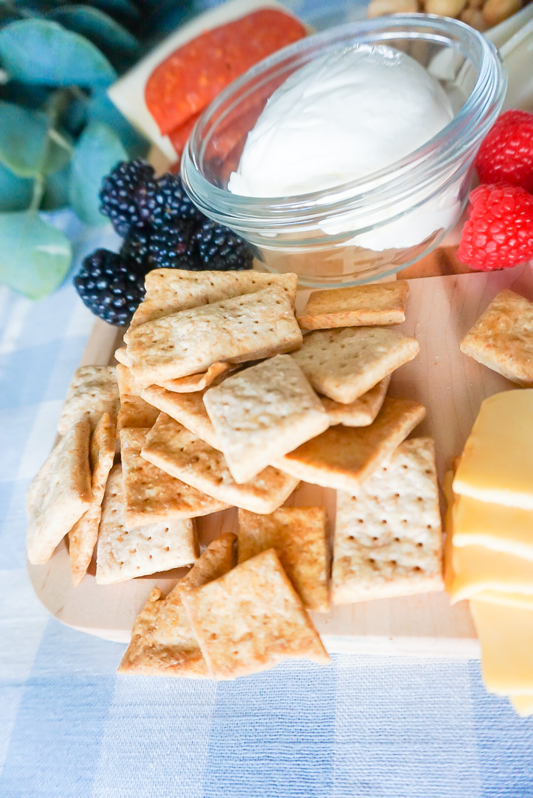 healthy snacks, healthy snack recipes, easy and healthy snacks, toddler crackers, toddler cracker recipe, healthy toddler snacks
