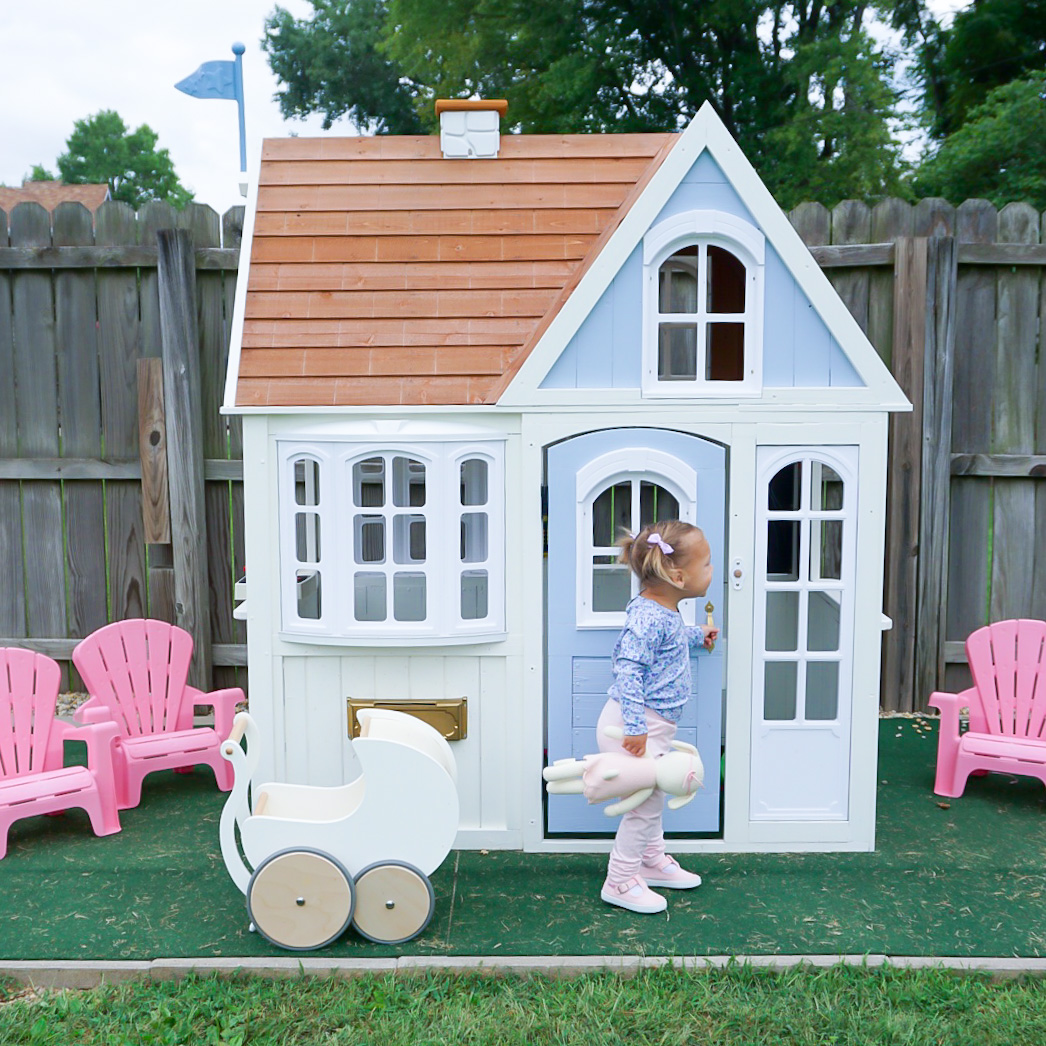 outdoor playhouse makeover, wooden outdoor playhouse, benjamin moore white dove playhouse