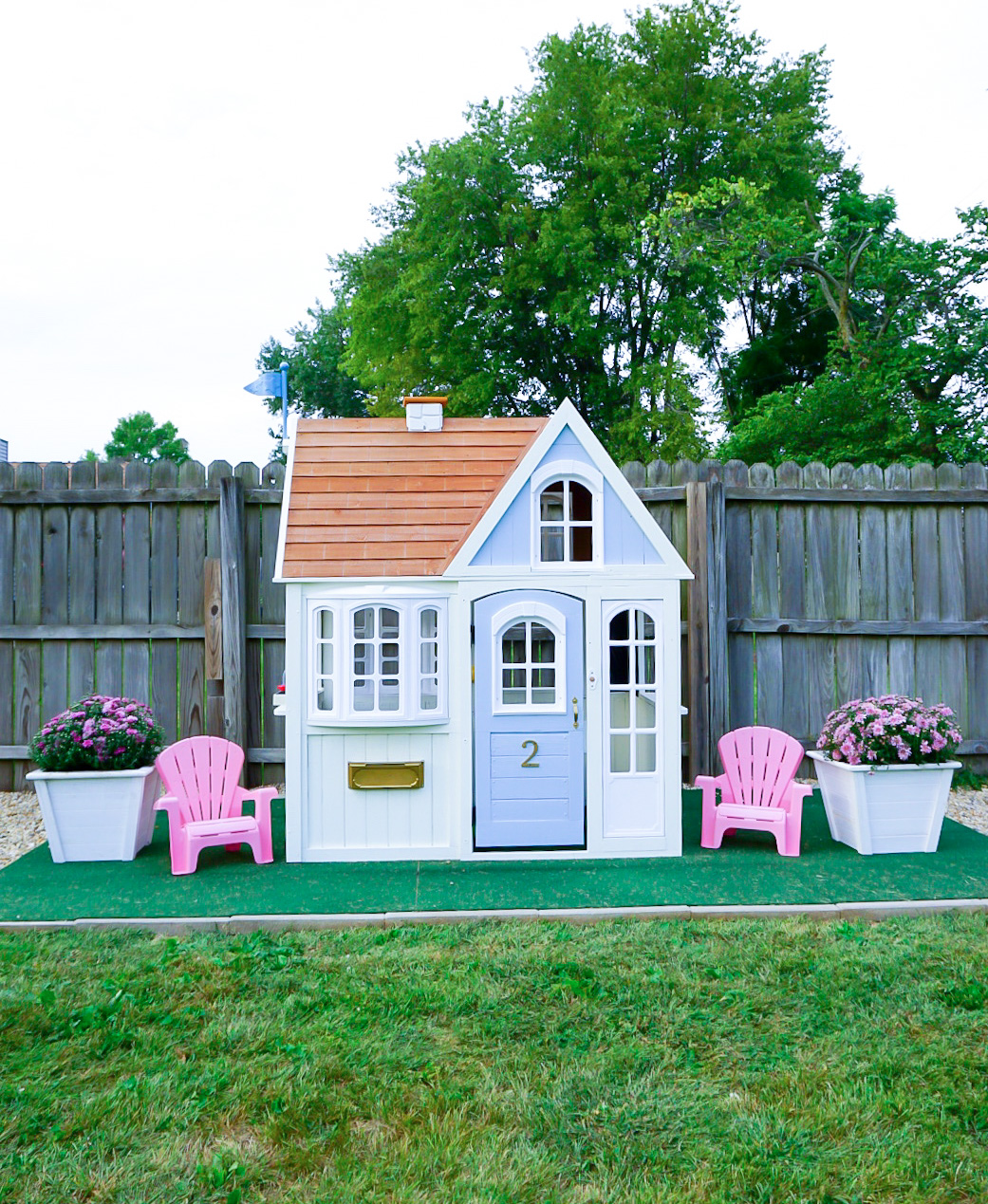 before and after playhouse, toddler playhouse remodel, blue outdoor playhouse, blogger playhouse, playhouse guide, how to DIY playhouse