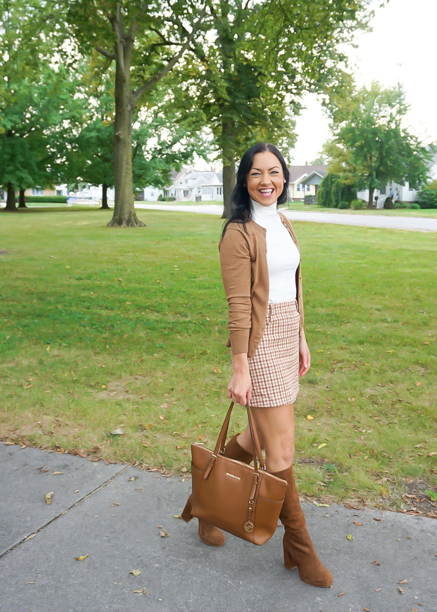 Jcrew style fall outfit, fall skirt outfit, fall mini skirt outfit, classic southern outfit, camel fall outfit, neutral fall outfit, brown fall outfit, Illinois blogger, Lulu's mini skirt