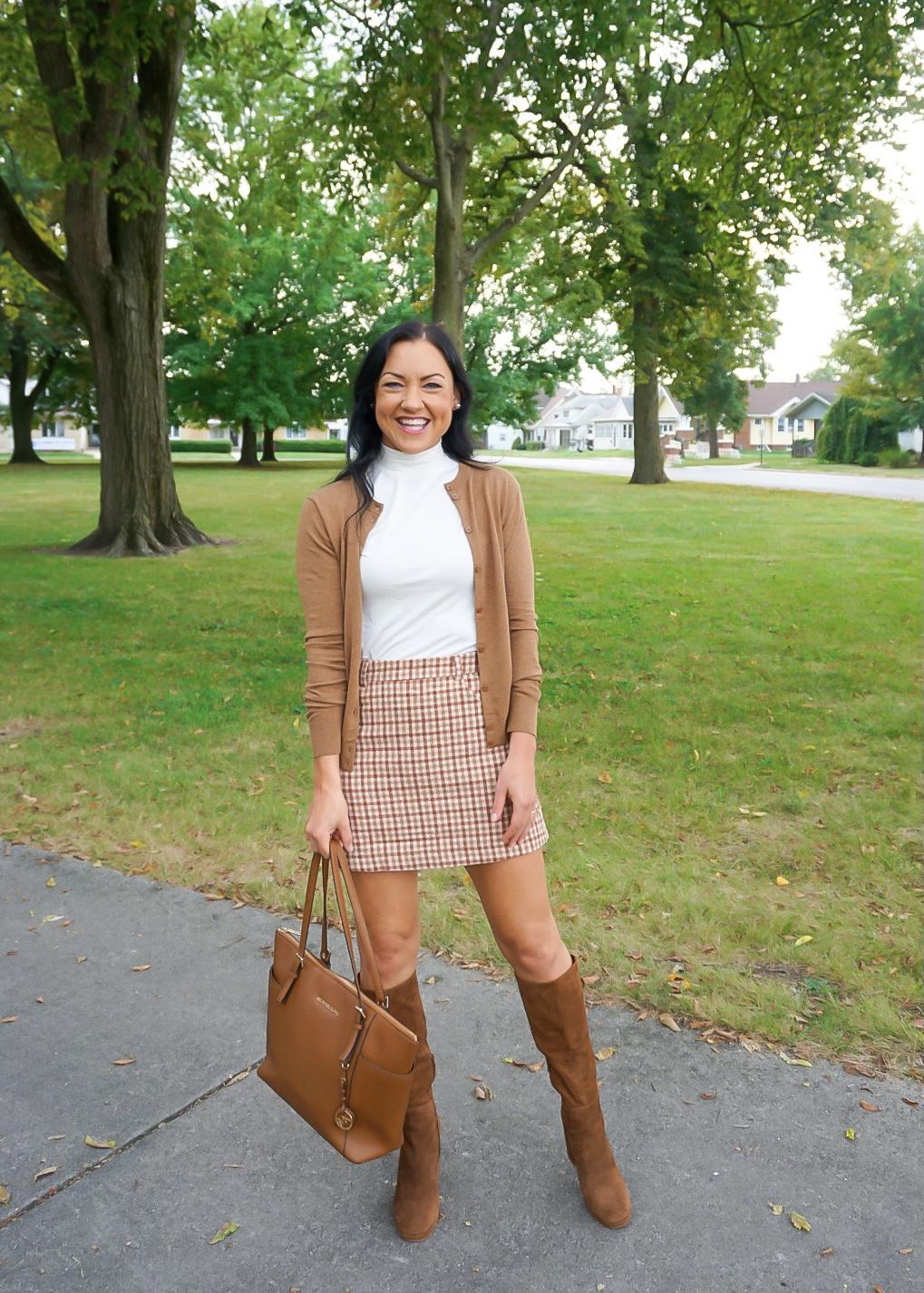 preppy fall outfit, preppy fall fashion, preppy blogger, preppy skirt, classic fall outfit, classic fall fashion, fall plaid skirt, plaid mini skirt